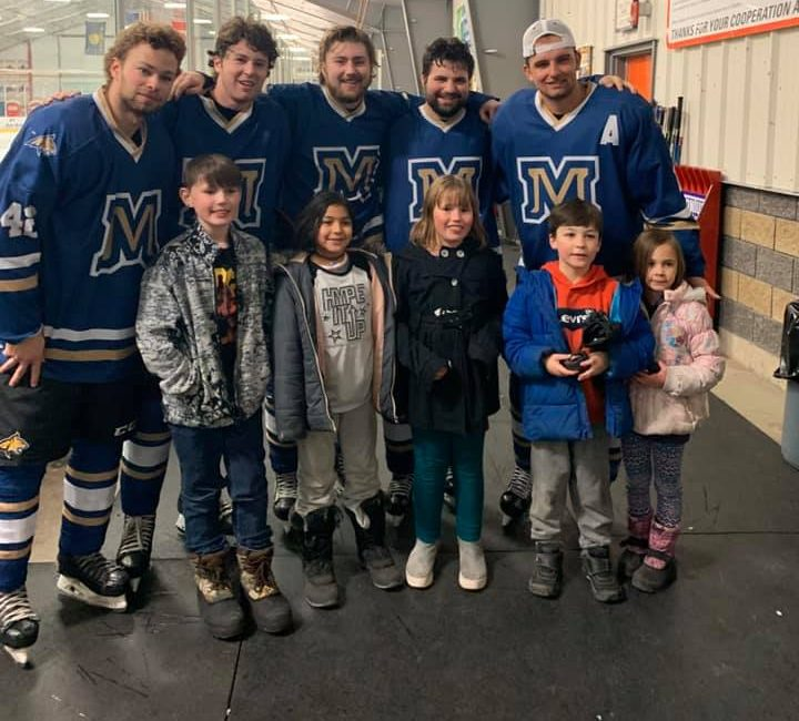 MSU Hockey Receives the Montana State University Community Service Award